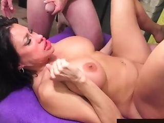 Huge-boobed Matures Sheila Marie Serves Five Boys At Once Using...