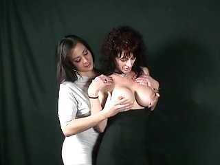 Mom And Daughter-in-law Taboo Lovemaking At Photoshoot