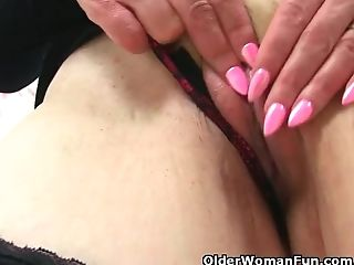English Mummy Skyler Is Frolicking Her Shaven And Creamy Cunt