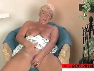 Cougar Bitch Remembered Manager's Dick (find A Cougar To Fuck...