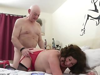 Pounding Grannies - Old Libertines 3some