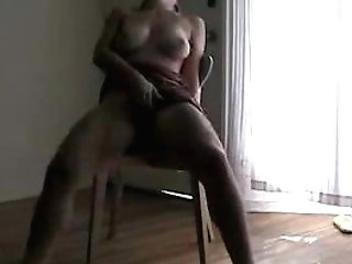 Unexperienced Cougar Mastrubating On Stool