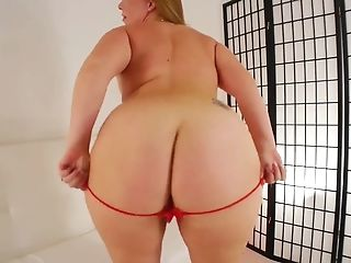 Ms Berrry Big Bootie Dance