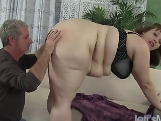 Fat Mom Gets Hard Fuck