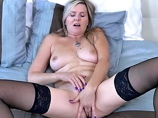 Canadian Cougar Velvet Gives Her Labia A Workout With Thumbs