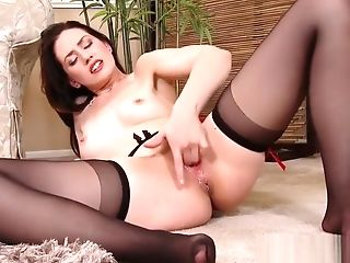 Squirting Cougar Has Numerous Orgasms