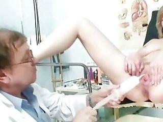 Medic Fucks A Matures Mom Patient