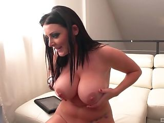 Horny Sophie Dee Knows How To Sate All Sexual Desires Of Her Paramour