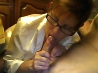 Mummy With Glasses Gives A Voluptuous Suck Off