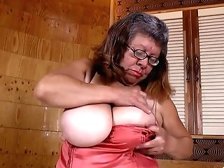 Latinchili Fat Bbw Chubby Brenda Fucktoy Getting Off