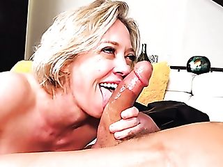 Hot Like Fire And Supah Sexy Giant Boobed Cougar Dee Williams Gives...