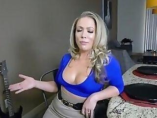 Carmen Valentina Oral Jobs The Studs Thick And Fleshy Bone