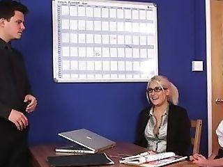 Cfnm Office Honies Tugging Pipe Until Popshot