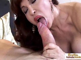 Super hot mature redhead treats weenie like a pro