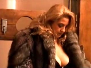 Sexy milf gets it on with her boss 2