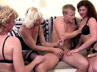 Youthfull boy sucked and fucked by mature whore moms