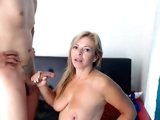 Blonde Mummy Sucked Dick On Webcam