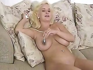 Mariah Lynns Frolicking Her Smooth-shaven Poon