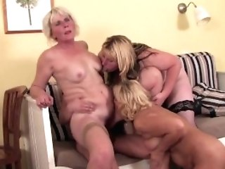 Youthfull-stud-doing-three-matures