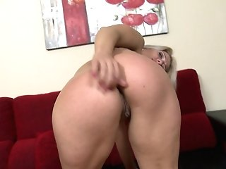 Matures Blonde Mom Wants Buttfuck And Puss Fucky-fucky