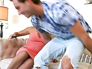 Damn Gorgeous Milfie Housewife Brenda James Lures Lucas Frost For Romp