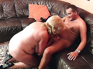 Bald Matures Cunt Of Chubby Blonde Old Whore Is Fucked Rear End...