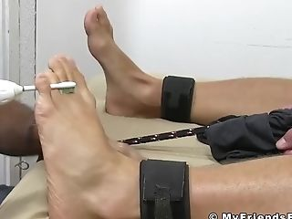 Blonde Hunk Kenny Laughs While Matures Homo Kittles His Feet