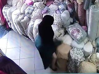 Islamic Muslim Mummy Big Rump In Burqa Hijab Stealing From Market...