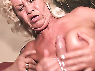 Wild Big Boobed Blonde Matures Whore Franscina Is Into Sucking Trunk