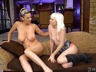 Damsel On Dame Gash Munching Inbetween Miss Melissa And Conchita