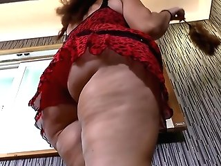 Latina Cougar Sandra Flaunts Her Bubble Butt And Total Tits