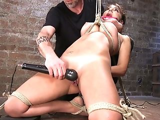Perverted Misogynist Penalizes Cooter Of Tied Up And Suspended...