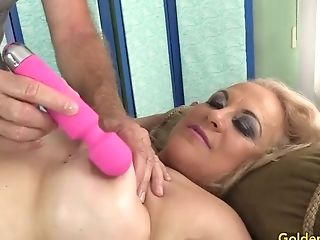 Old Massagist Fumbles Thick Matures Tart Summer With Frigs And...