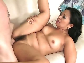 Nice Beauty Lucky Starr Gets Fucked Missionary Till Dude Jizzes On...