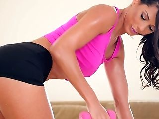 Mind Fellating Sport Chick Alexa Tomas Gets Her Brown-eye Rammed...