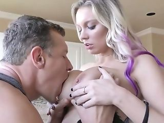 Stunning Nextdoor Bitch Kenzie Taylor Gives Her Head And Provides...