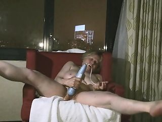 Matures Hotty Gets Into Getting Off