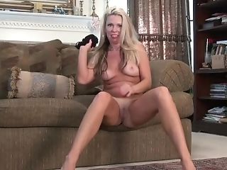 Yankee Cougar Beth Senses Sexy In A Crotchless Pair Of Pantyhose