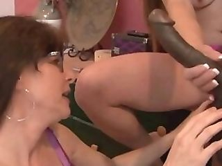 A Deep Hookup Session With Big Black Cock With A Lovely Woman Thrill
