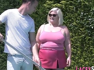 Old Granny Gets Dick Sucking Hump And Gives Head