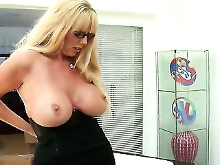 Karen Fisher with gigantic jugs opens her fuck
