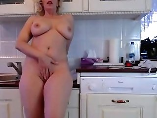 Blonde Matures Camgirl Demonstrating Big Donk