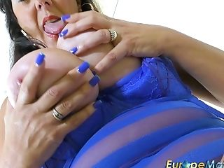 Awesome And Rapacious Chubby Whore Is Blessed To Masturbate Her Raw...