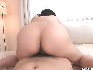 Ample Boobed Japanese Cougar Yuna Hoshizaki Gets Her Vagina Fucked...