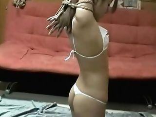 Japanese Tying 紧缚少妇