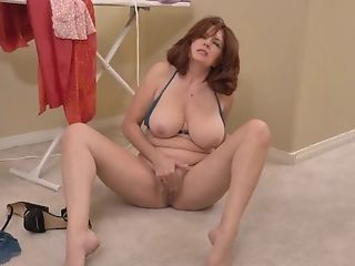 'red-haired Mummy Andi James From Florida Can't Manage...