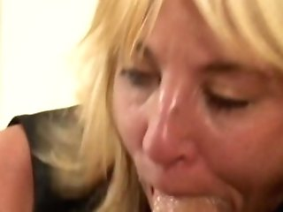 Horny Cougar Gives Arse To Daughters-in-law Black Spouse